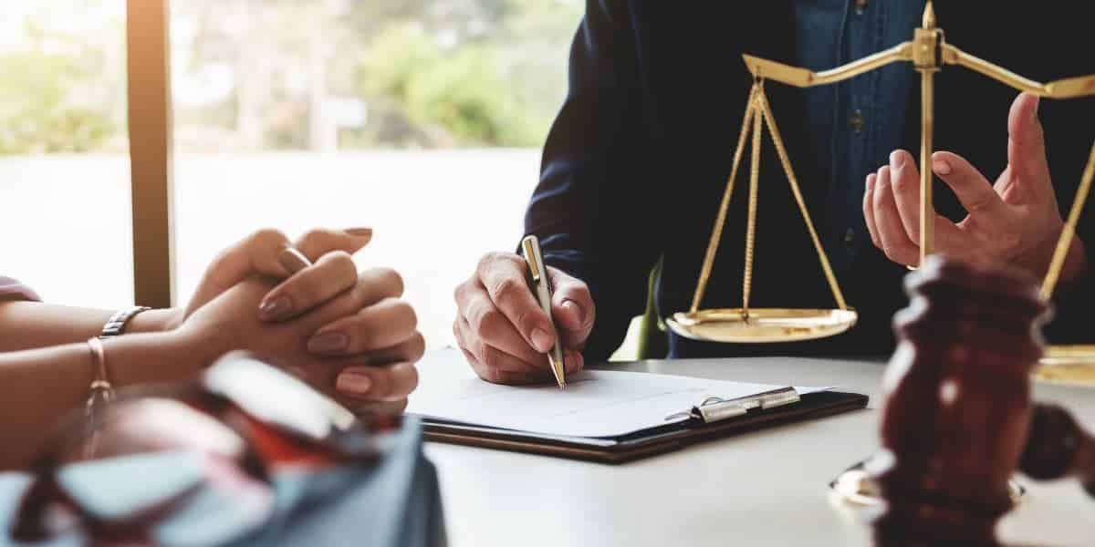 Find The Perfect Lawyer With These Top Tips